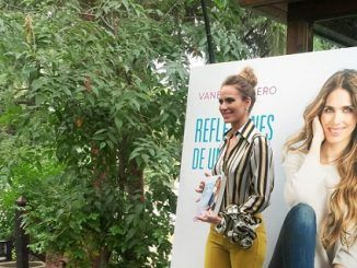 Vanesa Romero presenta el libro Reflexiones de una Rubia
