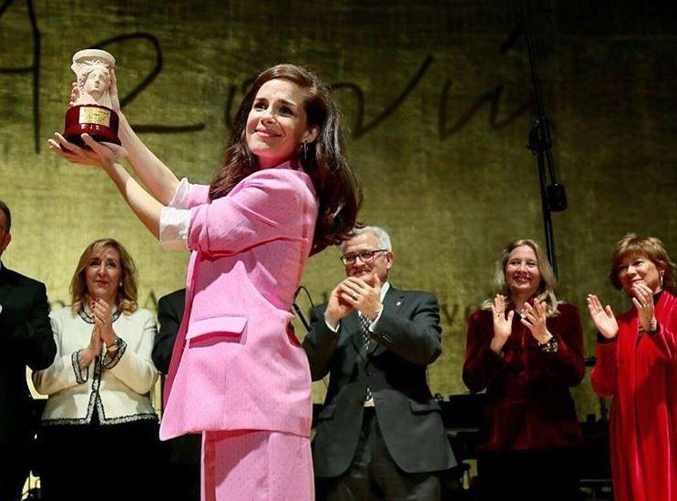 Nuria Gago gana el Premio Azorín con Quiéreme Siempre